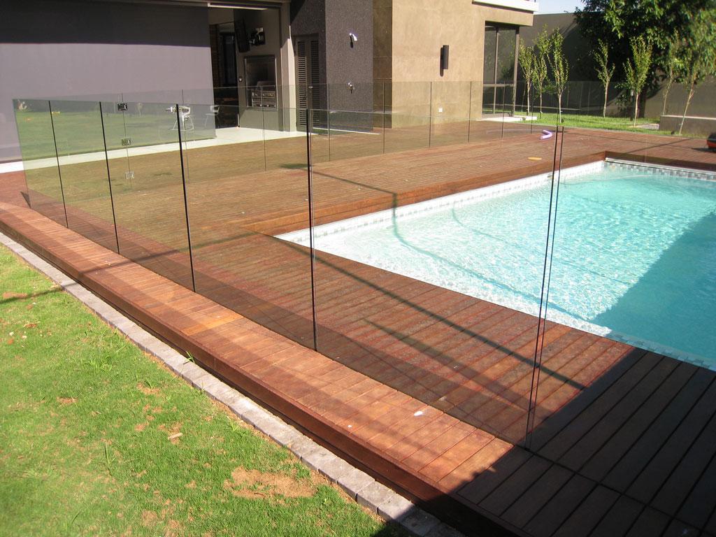 Framless Glass Balustrades Around Swimming Pool Welcome To Manhattan